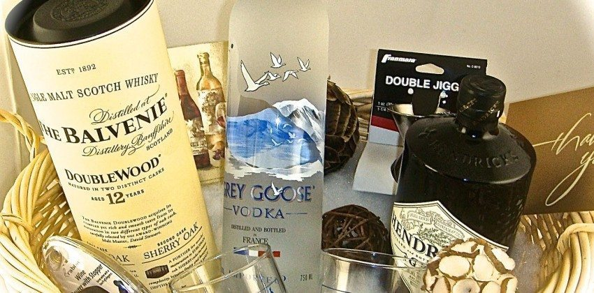'Tis the Season for a Liquor Store Delivery to Boston from Colonial Spirits Delivers